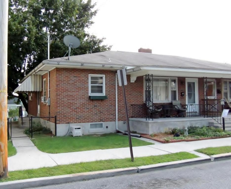 540 Hill Street, Lebanon, PA 17046 (MLS #255966) :: The Craig Hartranft Team, Berkshire Hathaway Homesale Realty