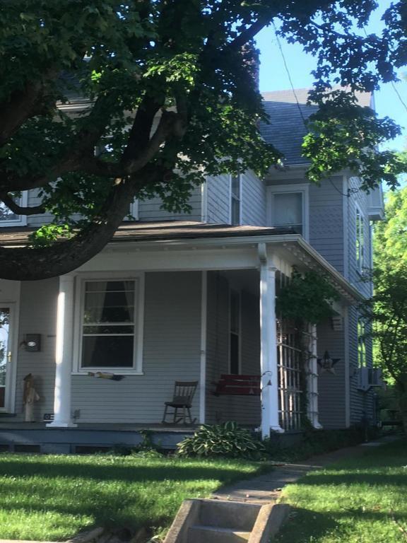 306 E Chestnut, Lebanon, PA 17042 (MLS #266606) :: The Craig Hartranft Team, Berkshire Hathaway Homesale Realty