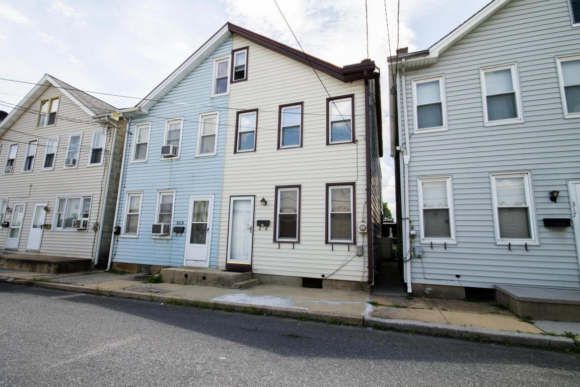 315 New Street, Lebanon, PA 17046 (MLS #254687) :: The Craig Hartranft Team, Berkshire Hathaway Homesale Realty