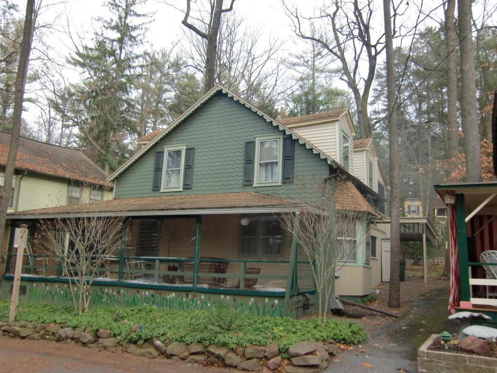 6 Muhlenberg Avenue, Mt Gretna, PA 17064 (MLS #229290) :: The Craig Hartranft Team, Berkshire Hathaway Homesale Realty