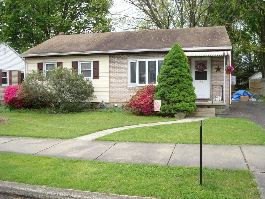 108 S Fulton Street, Manheim, PA 17545 (MLS #247040) :: The Craig Hartranft Team, Berkshire Hathaway Homesale Realty