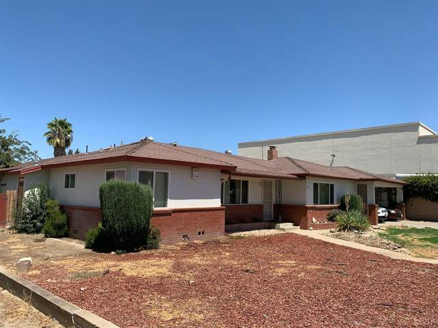 56 W Hanford Armona Road, Lemoore, CA 93245 (#222478) :: Robyn Icenhower & Associates