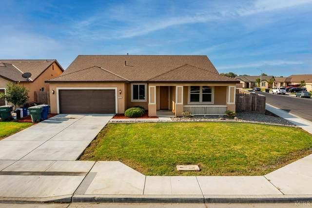 1527 W Banneker Street, Hanford, CA 93230 (#222614) :: Robyn Icenhower & Associates