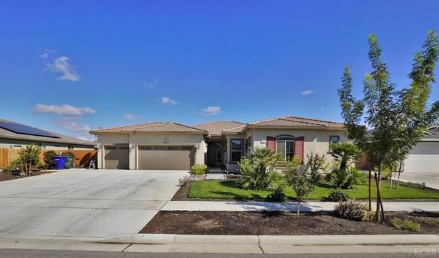1417 N Elizabeth Drive N, Hanford, CA 93230 (#222896) :: Robyn Icenhower & Associates