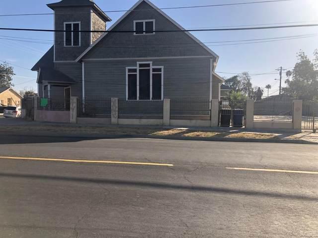 209 E Ivy Street, Hanford, CA 93230 (#222900) :: Robyn Icenhower & Associates