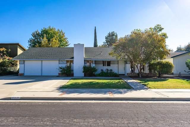 2353 Michael Circle, Hanford, CA 93230 (#222975) :: Robyn Icenhower & Associates