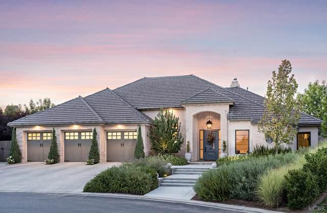 3214 E Via Montiano Avenue, Clovis, CA 93619 (#222880) :: Robyn Icenhower & Associates