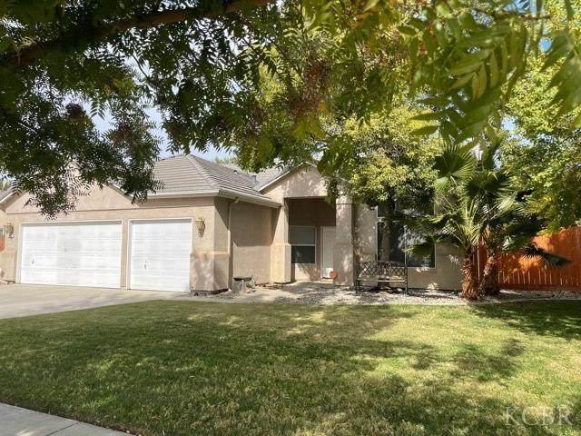 612 Brentwood Drive, Lemoore, CA 93245 (#222965) :: Robyn Icenhower & Associates