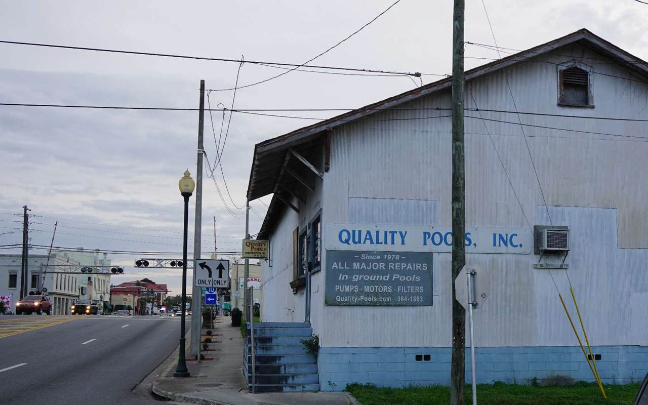 205 Ohio Ave - Photo 1