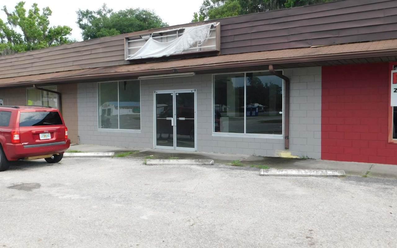 1051 Duval (Center) - Photo 1