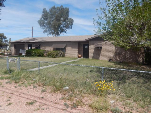 38215 Navajo St, Salome, AZ 85348 (MLS #1005925) :: The Lander Team