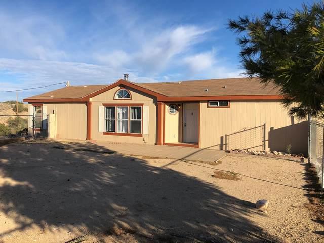 11033 E Calle Cochise, Kingman, AZ 86401 (MLS #1010584) :: The Lander Team