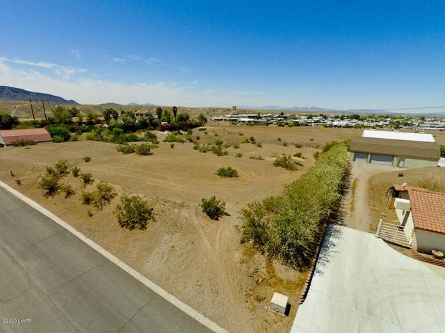 10710 Fenton Dr, Parker, AZ 85344 (MLS #1011096) :: The Lander Team