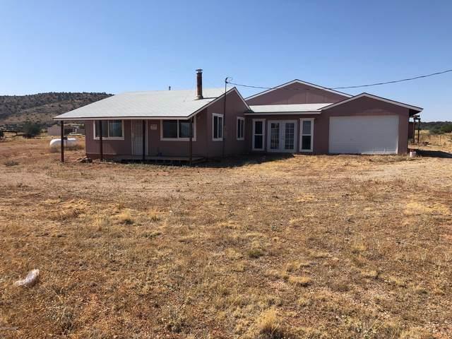 500 Gypsy Grils Rd, Seligman, AZ 86337 (MLS #1013017) :: Realty One Group, Mountain Desert
