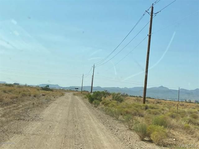 174 & 175 Wagon Wheel Dr, Kingman, AZ 86401 (MLS #1013171) :: The Lander Team