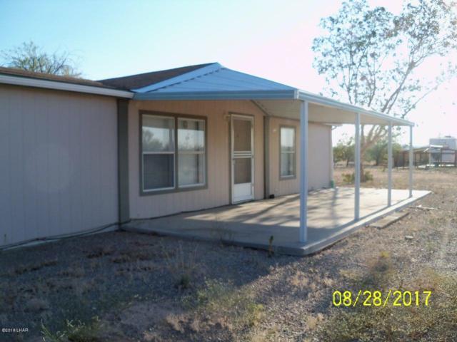 49088 Faybol, Bouse, AZ 85325 (MLS #929396) :: The Lander Team