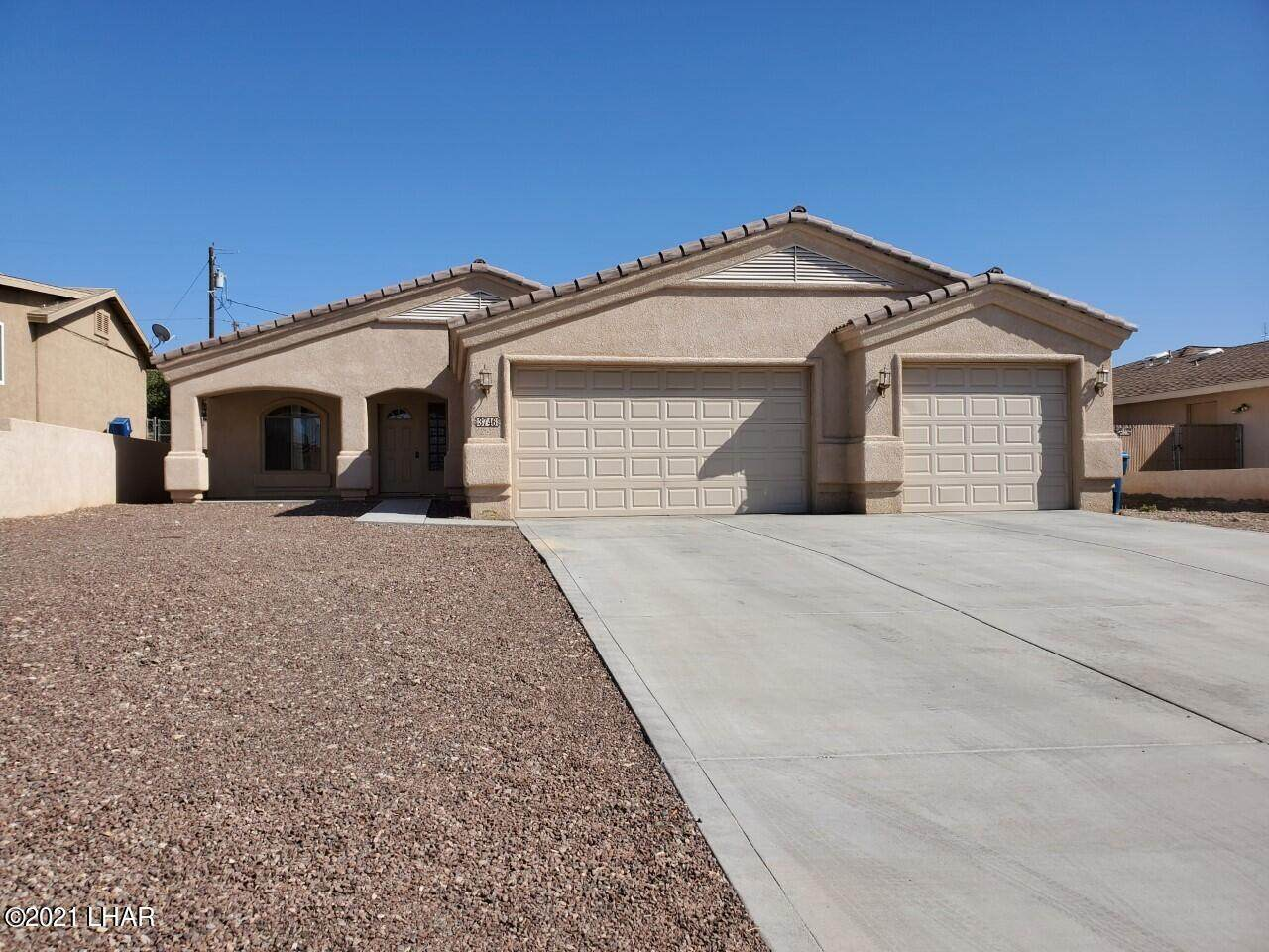 3746 Clearwater Dr - Photo 1