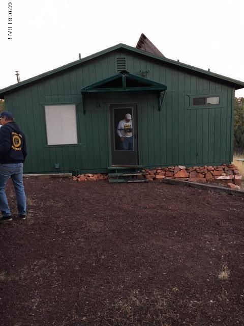 43900 N Shadow Rock Trl, Seligman, AZ 86337 (MLS #921398) :: The Lander Team