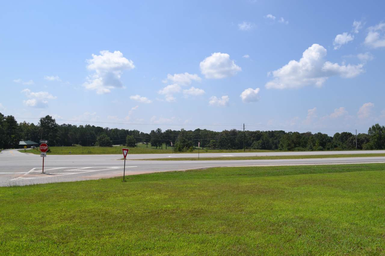U.S. Hwy 280 - Photo 1