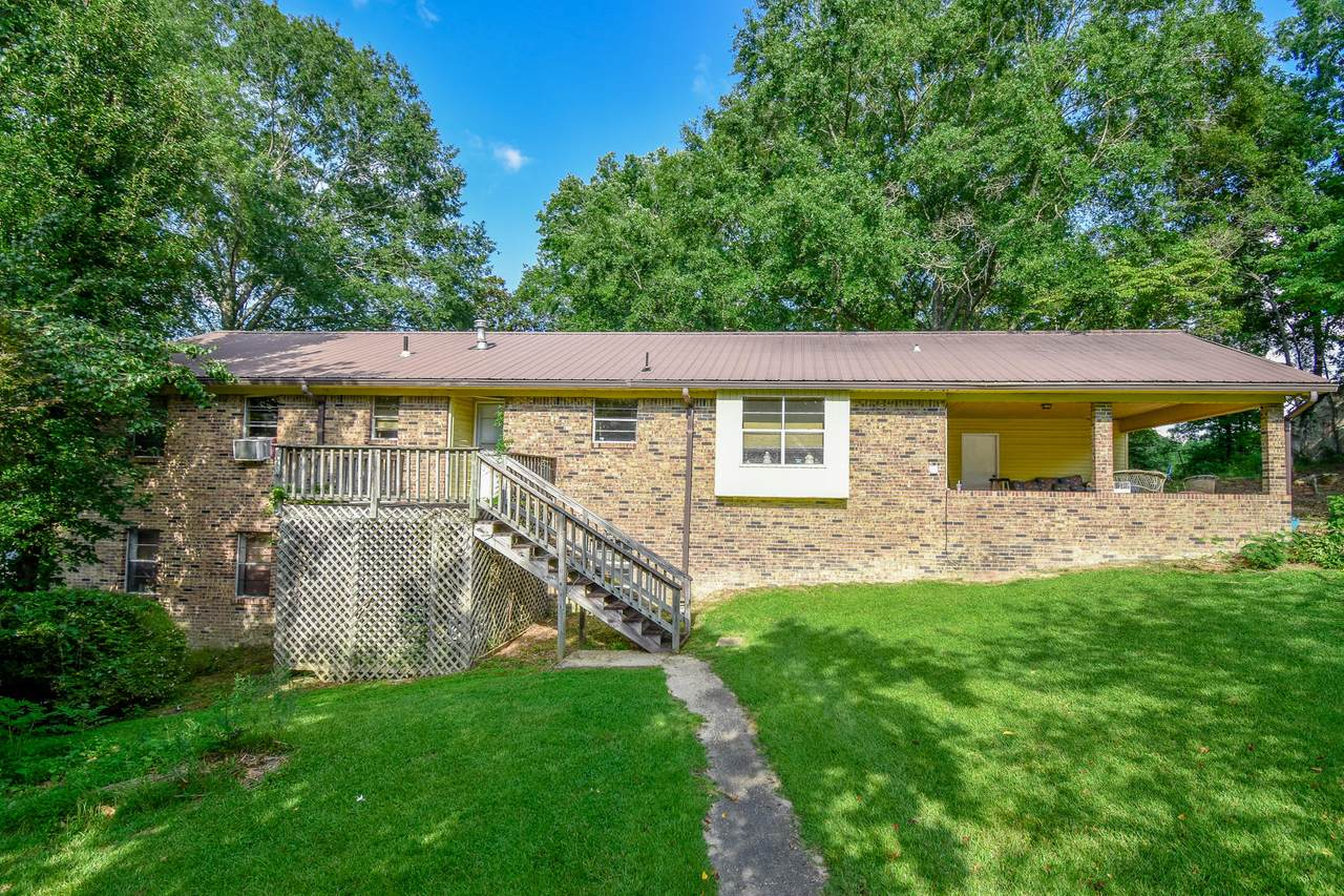 2235 Campbell Rd - Photo 1