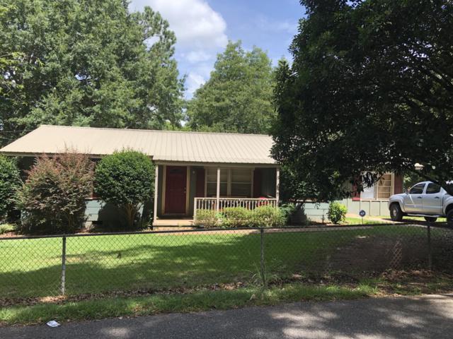 198 Barrett St, Dadeville, AL 36853 (MLS #19-1054) :: Ludlum Real Estate