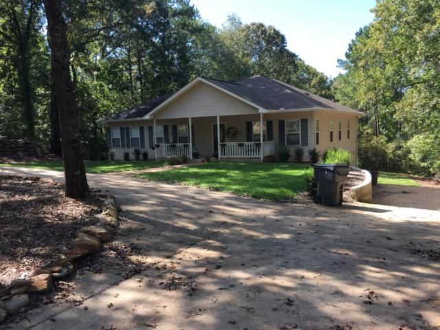 135 Deer Hollow Trl, Dadeville, AL 36853 (MLS #19-1140) :: Ludlum Real Estate