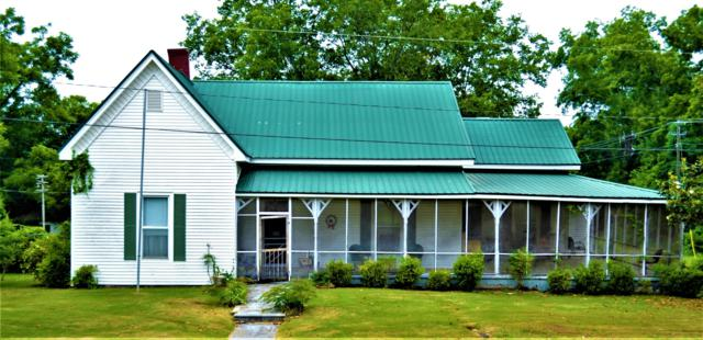 139 East St, Dadeville, AL 36853 (MLS #19-873) :: Ludlum Real Estate