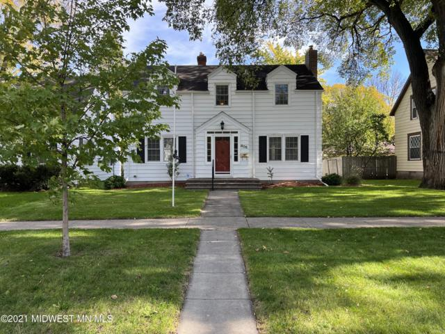 806 7th Street S, Fargo, ND 58103 (MLS #20-35146) :: Ryan Hanson Homes- Keller Williams Realty Professionals