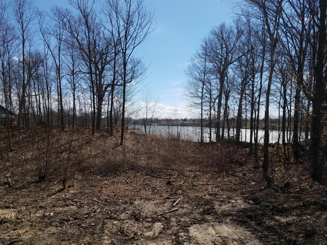 420 Lakeside Drive - Photo 1