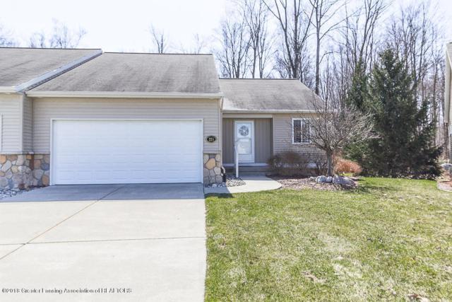 225 Barrington Circle #72, Lansing, MI 48917 (MLS #225218) :: Real Home Pros