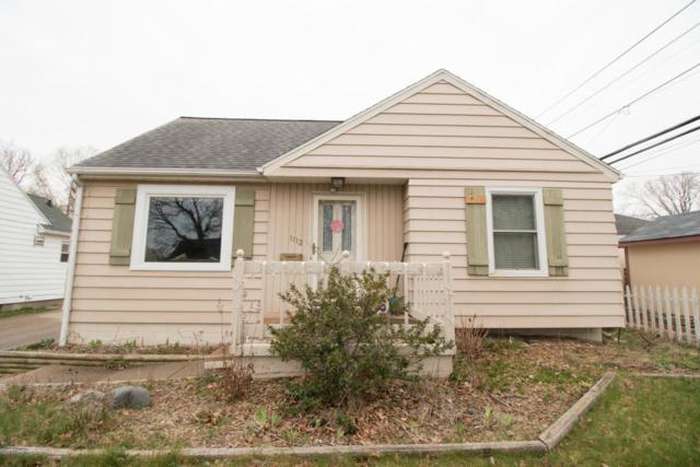 1112 Lincoln, Lansing, MI 48910 (MLS #225408) :: Real Home Pros