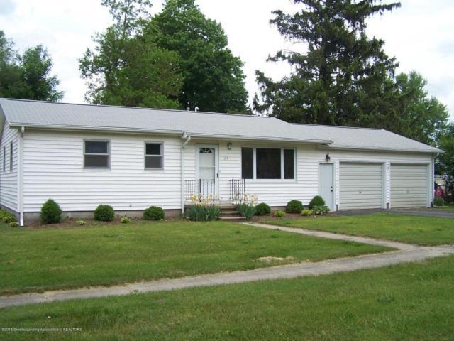 217 Leonard Street, Eaton Rapids, MI 48827 (MLS #226809) :: Real Home Pros