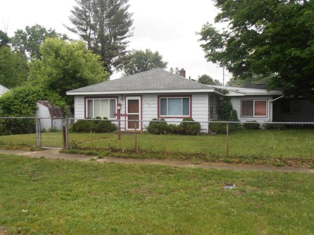 6537 Sommerset, Lansing, MI 48911 (MLS #226853) :: Real Home Pros