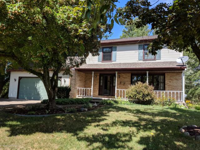 6530 Millsborough Circle, Lansing, MI 48917 (MLS #230175) :: Real Home Pros