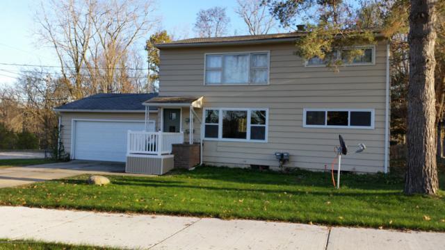 203 Franklin, Grand Ledge, MI 48837 (MLS #230365) :: Real Home Pros