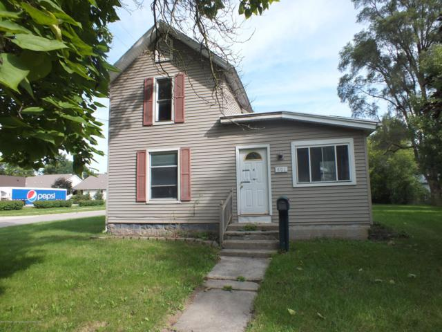 801 E State Street, St. Johns, MI 48879 (MLS #230423) :: Real Home Pros