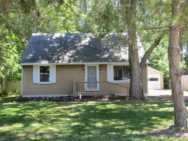 6415 Coulson Court, Lansing, MI 48911 (MLS #230431) :: Real Home Pros
