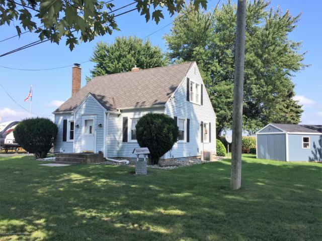 11215 Airport Road, Dewitt, MI 48820 (MLS #230493) :: Real Home Pros