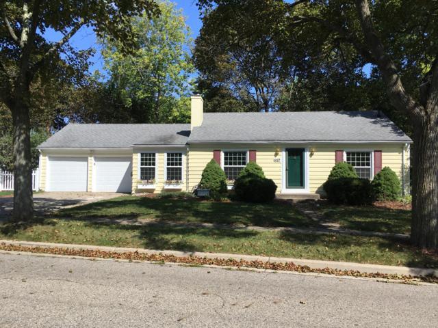 927 Beech Street, East Lansing, MI 48823 (MLS #230577) :: Real Home Pros