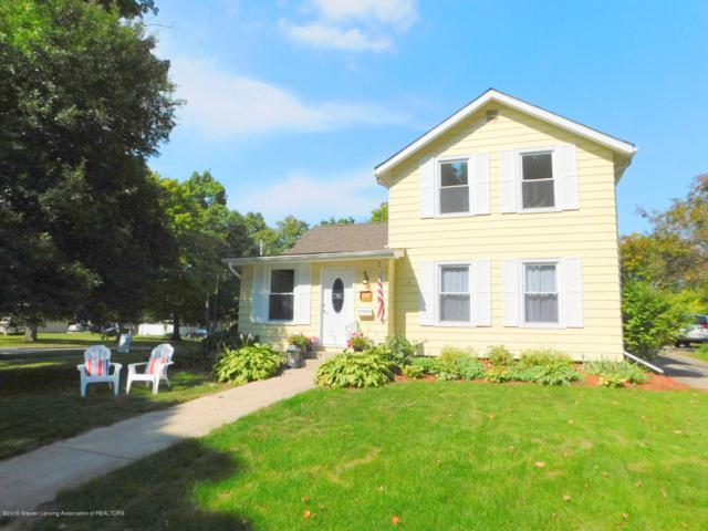 305 E Oak Street, Mason, MI 48854 (MLS #230595) :: Real Home Pros