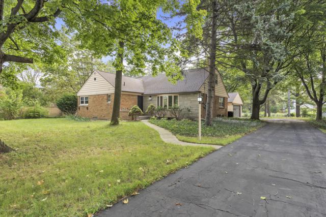 4568 S Hagadorn Road, East Lansing, MI 48823 (MLS #230645) :: Real Home Pros