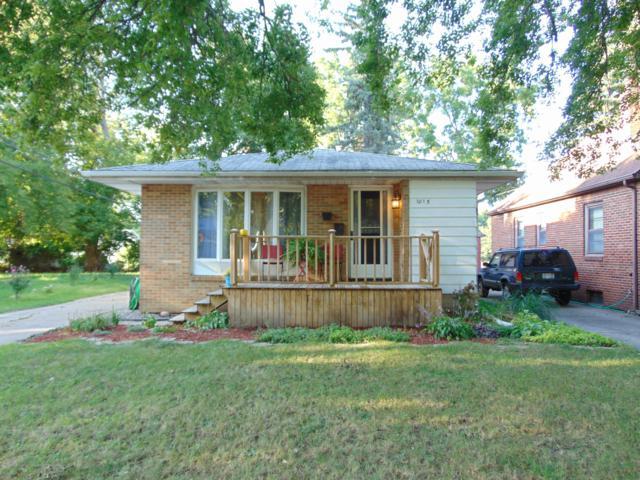 1015 Parkdale Street, Lansing, MI 48910 (MLS #230664) :: Real Home Pros