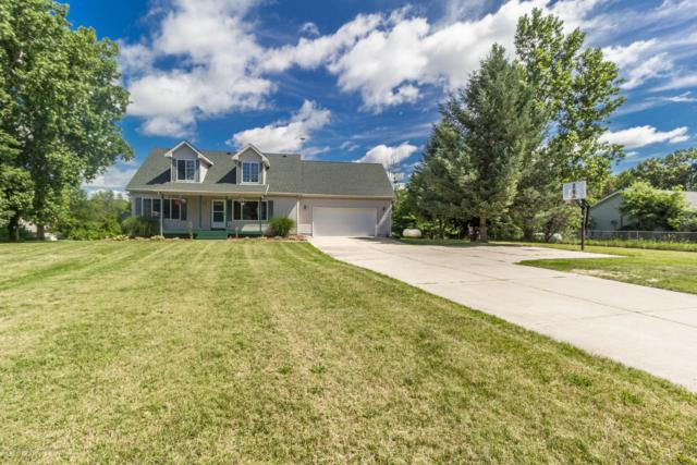 6920 Freer Place, Eaton Rapids, MI 48827 (MLS #230668) :: Real Home Pros