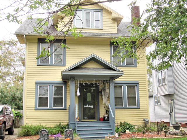 516 Bartlett Street, Lansing, MI 48915 (MLS #231402) :: Real Home Pros