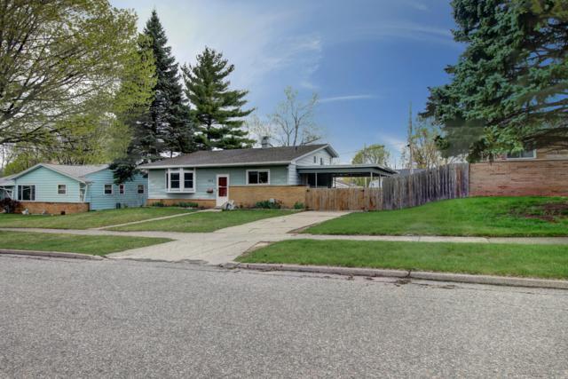 833 Sandlyn Drive, Lansing, MI 48910 (MLS #231447) :: Real Home Pros
