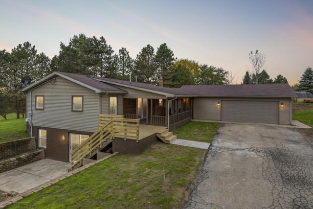 9921 Bunker Highway, Eaton Rapids, MI 48827 (MLS #231837) :: Real Home Pros