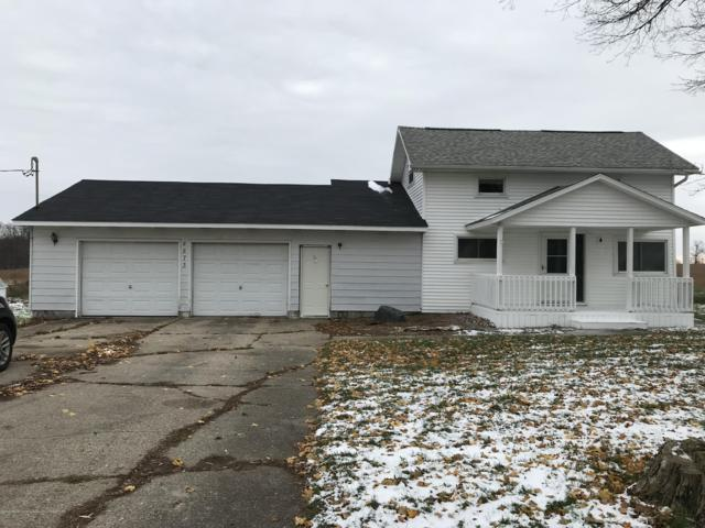4873 S Cochran, Charlotte, MI 48813 (MLS #232032) :: Real Home Pros