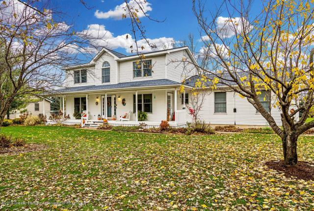 9701 Missaukee Lane, Haslett, MI 48840 (MLS #232074) :: Real Home Pros