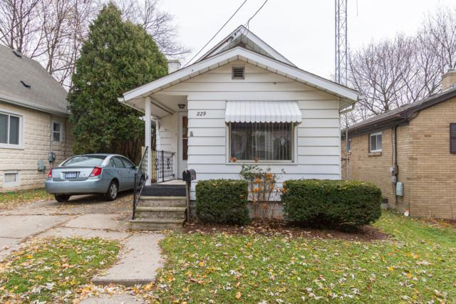 229 S Foster Avenue, Lansing, MI 48912 (MLS #232168) :: Real Home Pros