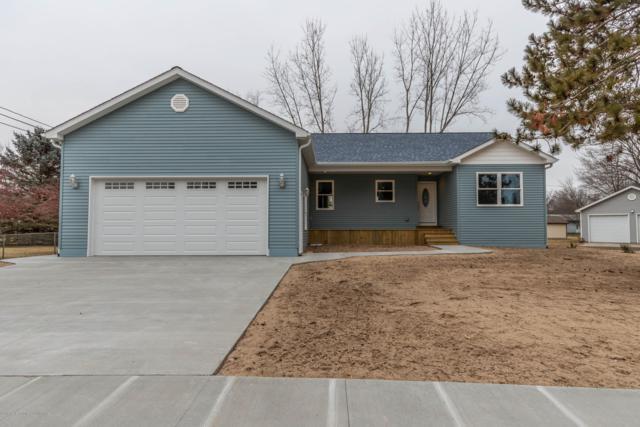 512 W Essex Drive, St. Louis, MI 48880 (MLS #233348) :: Real Home Pros